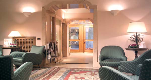 Alberghi roma centro albergo cesari roma for Hotel roma centro economici