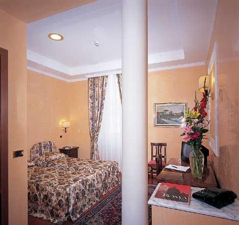 Hotel roma centro hotel montreal roma for Hotel roma centro economici